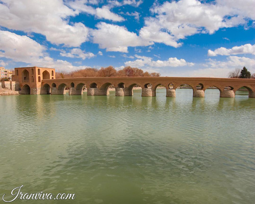 Jey bridge in Isfahan - Iran Tours and Travel