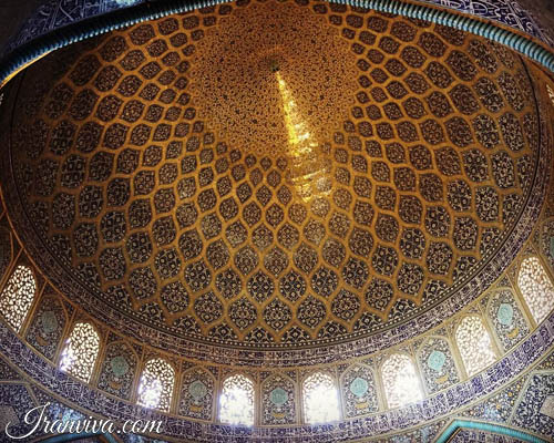 Sheikh Lotfollah mosque in Isfahan - Iran Tours and Travel