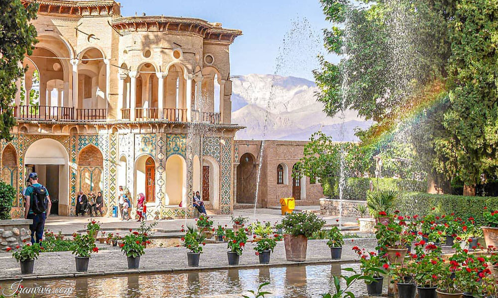 Shazdeh Garden-irantours and travel