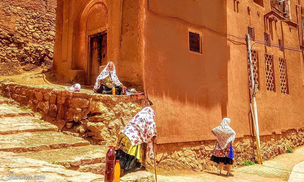 Isfahan Abyaneh - Best Cultural and Adventure Tours