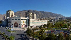 You will not leave the passages and shopping centers of Karaj empty-handed