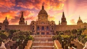Get acquainted (gain, obtain) with some of Barcelona's most famous attractions