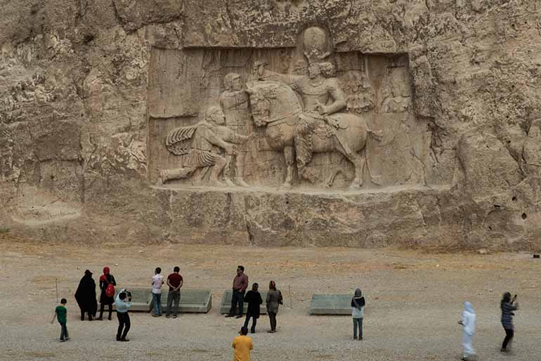 Image of Shapur victory over the emperors Rome