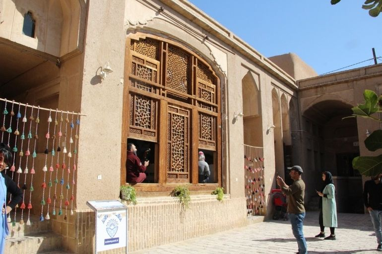 House of Yazd trucks; Where is Lar and where is Yazd!